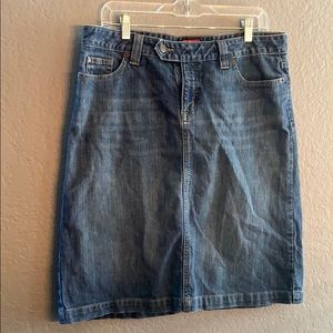 Jean skirt with pocket and slit